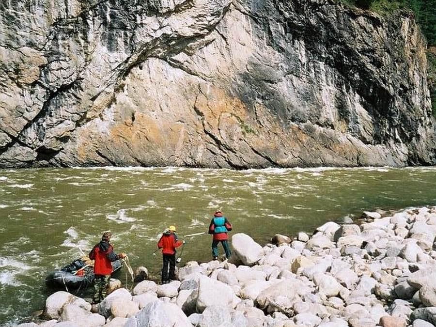 Ostoja szamana-Aka rafting na syberii (1)