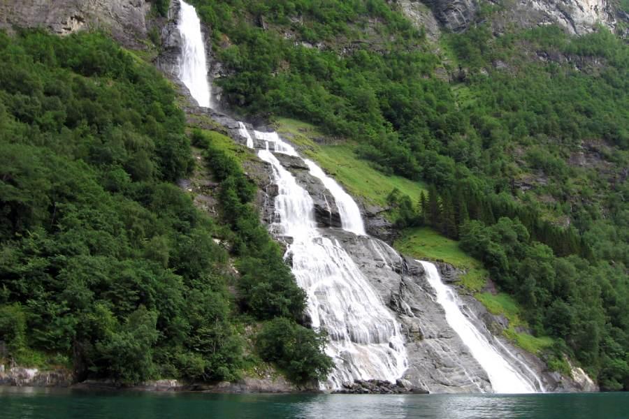 Ostoja szamana-Fiordy Norwegia (3)