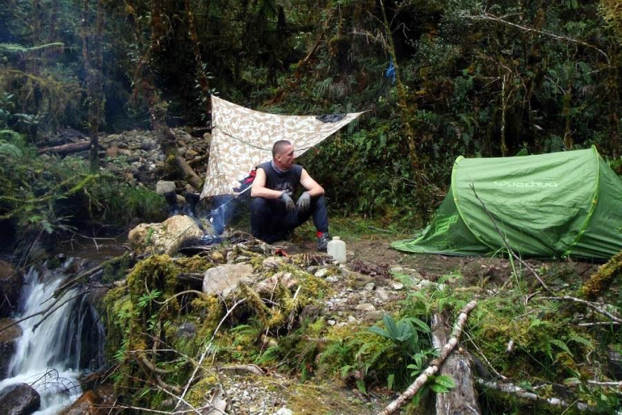 Ostoja szamana-Irian Jaya – samotnie wśród ludożerców (13)