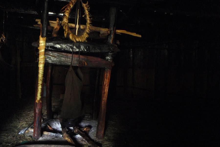 Ostoja szamana-Irian Jaya – samotnie wśród ludożerców (4)